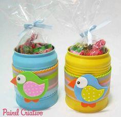 Latas para reciclar y regalar Kids Crafts, Tin Can Crafts, Felt Crafts, Pot A Crayon, Recycle Cans, Bird Party, Tin Art, Plastic Bottle Crafts, Aluminum Cans
