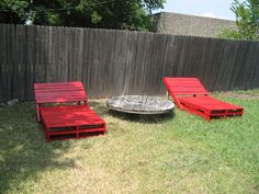 Recycled pallets lounger chairs! cool idea.