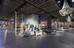 Paris Womenswear store by Dalziel and Pow, Santiago store design