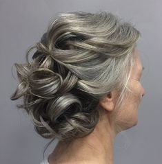 Wedding Hairstyles Medium Hair Gray Curly Updo For Mother Of The Bride - Mother Of The Groom Hairstyles, Mother Of The Bride Hair, Bride Hairstyles, Party Hairstyles, Medium Bob Hairstyles, Hairstyles With Bangs, Trendy Hairstyles, Korean Hairstyles, Glamorous Hairstyles