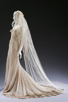 See Celebrity Wedding Dresses from Gwen Stefani, Kate Moss and Dita Von Teese's wedding dress
