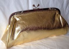 VINTAGE GOLD FAUX LEATHER CLUTCH WITH CHAIN 1980s DISCO COCKTAIL PARTY GLAM