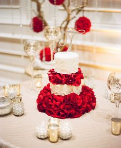 classic red roses inspired wedding cake | gaby j photography