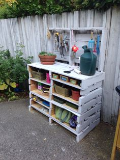Gardening or potting table made from pallets. Pallets, Shoe Rack, Bench, Gardening, Table, Diy, Home, Terrace, Bricolage