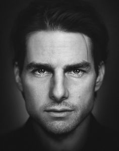 Tom Cruise l People Photography Tom Cruise, Famous Men, Famous Faces, Black And White Portraits, Black And White Photography, People Photography, Portrait Photography, Celebrity Portraits, Movie Stars