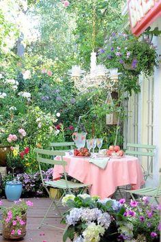 Stylish garden chandelier Ideas (7)