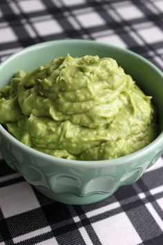 Guacamole | Mia Sommer Guacamole, Dip Recipes, Pesto, Salsa, Dips, Avocado, Food And Drink, Mexican, Ethnic Recipes