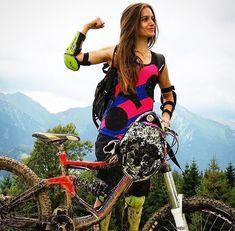 All Mountain Bike, Mountain Bike Clothing, Mountain Biking Women, Cycling Wear, Cycling Girls, Bicycle Women, Bicycle Girl, Female Cyclist, Outdoor Woman