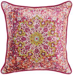 Pillows: @classichomela Villa Home Collection