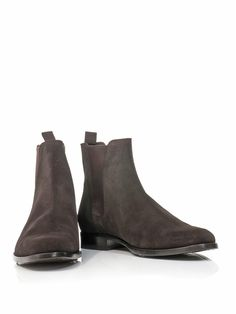 Chocolate-brown suede Chelsea boots with an almond-toe and elasticated side panels. Expertly crafted, these boots from Saint Laurent are loaded with understated appeal. Team them with jeans and a tweed blazer to finish off smart/casual looks in style.