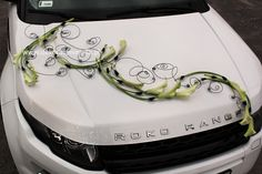 car decoration - Home Page Modern Floral Arrangements, Flower Arrangements, Wedding Trends, Wedding Designs, Bridal Car, Wedding Car Decorations, Pallet Wedding, Wedding Chairs, Just Married