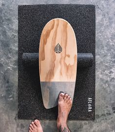 Training with my balanceboard Aflora Surfboard, Skateboard, Finding Yourself, Train, Skateboarding, Skateboards, Strollers, Surfboard Table, Trains