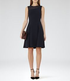 Size 2 Womens Night Navy Textured Fit And Flare Dress - Reiss Verde