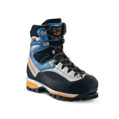 Scarpa Jorasses Pro GTX WMN - Footwear | Telemark Pyrenees  --> My high-tech boot. You would NOT walk in it for a long time, because it is really stable and stiff, but still comfortable actually. Worked fine in snow, too. :)