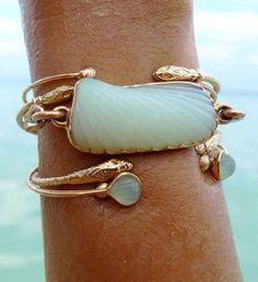 Unique turquoise and gold bracelet.