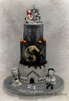 """This huge cake was made for Lauren who is an avid Tim Burton fan and wanted """"Frankenweenie"""", """"Sleepy Hollow / Headless Horseman"""" and """"A Nightmare before Christmas"""" featured on her cake. Inspiration for the Sleepy Hollow tier was taken from the. Halloween Torte, Dessert Halloween, Halloween Birthday, Christmas Birthday, Christmas Christmas, Beautiful Cakes, Amazing Cakes, Nightmare Before Christmas Cake, Super Torte"""
