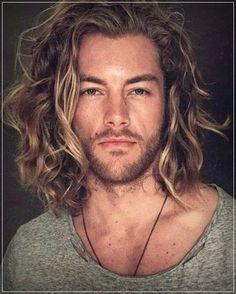 Mens Medium Length Hairstyles, Cool Hairstyles For Men, Boy Hairstyles, Long Haircuts For Men, Mens Hairstyles Long Curly, Long Length Hair, Long Hair Cuts, Shoulder Length Hair Men, Men With Long Hair