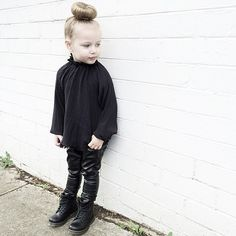 BlackonBlackonBlack⚫️⚫️⚫️ Thanks, @minijoops, for this beyond beautiful Pale Cloud Blouse. And, @mrwolfkids, the Dr Martens.