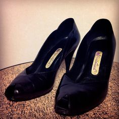 Vintage 80s Gloria Vanderbilt Black High Heel by BeatificVintage, $22.00