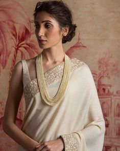 Roaring Hairstyles For Long Hair - Neue Frisuren Trends Indian Attire, Indian Wear, Saris, Indian Dresses, Indian Outfits, Indian Clothes, Top Knot, Sabyasachi Collection, Boho Chic