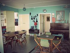 """so into this style (though it's missing the essential """"baloney wood"""" element we so cherish) Hung Up On Retro: NZ Retro Beach House"""