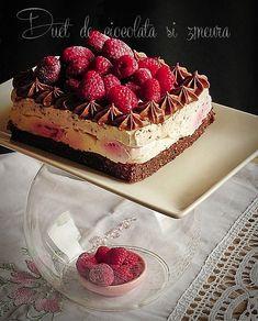 prajitura cu ciocolata si zmeura Romanian Desserts, Cake Cookies, Tiramisu, Sweet Treats, Recipies, Cheesecake, Cooking Recipes, Sweets, Ethnic Recipes