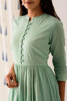 Simple Kurta Designs, New Kurti Designs, Salwar Designs, Kurta Designs Women, Kurti Designs Party Wear, Latest Anarkali Designs, Neck Designs For Suits, Sleeves Designs For Dresses, Dress Neck Designs