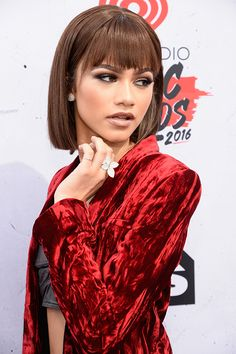 Zendaya - The 10 Best Beauty Looks from the iHeartRadio Music Awards | StyleCaster