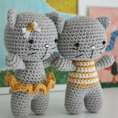 The pattern is teaching you how to make a toy with joined legs. The kitty has two versions: with striped blouse or ruffled skirt. Of course you can make it without any clothing at all. Finished cat measures about 15 cm. ALL LILLELIIS TOYS ARE ORIGINAL DESIGN. I PUT A LOT OF EFFORT IN CREATING …