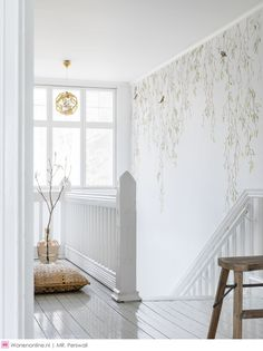 A photo wallpaper with springtime birds and foliage from Mr Perswall's wallpaper collection Shades. Customise and order the photo wallpaper directly online. - My Interior Design Ideas Wallpaper Staircase, Home Wallpaper, Bird Wallpaper Bedroom, Spring Wallpaper, Wallpaper Murals, Flur Design, Stair Walls, Spring Birds, Wall Murals