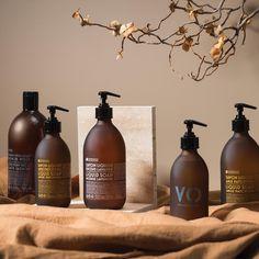 Hello, autumn 👋 Our Version Originale liquid soap has autumnal vibes with its beautiful chestnut-coloured bottle. Patchouli Soap, Liquid Soap, Hello Autumn, Autumnal, Provence, Contemporary Design, Packaging, Bottle, Beautiful