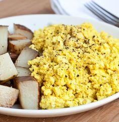 Vegan Scrambled Eggs with Turmeric Tofu
