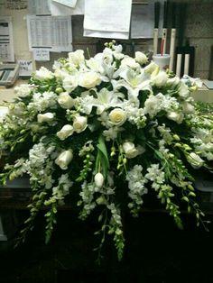 Rose Garden Florist - Paducah Kentucky all white casket spray memorial flowers funeral flowers Casket Flowers, Altar Flowers, Church Flowers, Funeral Flowers, Top Flowers, Flowers Garden, Remembrance Flowers, Memorial Flowers, Funeral Floral Arrangements