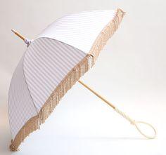 Coci la elle(コシラエル)の手作り日傘はふたつとない出会いの一本お客様が本当に気に入って大切に長く愛着を持って使ってくださることを願いながら作っています
