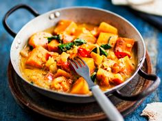 Thai Red Curry, Recipies, Vegan Recipes, Food And Drink, Healthy Eating, Baking, Ethnic Recipes, Drinks, Egg As Food