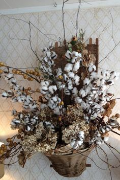 The post cotton bouquet. 2019 appeared first on Cotton Diy. Pink Christmas Decorations, Christmas Arrangements, Floral Arrangements, Seasonal Decor, Fall Decor, Holiday Decor, Flower Vases, Flower Pots, Cotton Bouquet