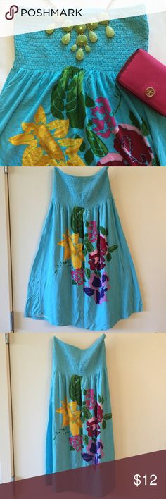 Derek Heart Smocked Blue Floral Strapless Dress M Derek Heart Dress. Size Medium. Strapless. Smocked bodice. Blue with pink, yellow and green floral accents. Like-New! Length: 29 inches. Same Day Shipping 💌 Check out my other listings and save 20% on 2+ items. Derek Heart Dresses Strapless