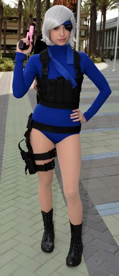 Cosplay Lady Solid Snake
