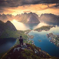 Reinebringen, Lofoten, Norway. Sweet memory from last summer. #ilovenorway #norway #riyets #OurPlanetDaily #visitnorway #norge…