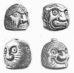 Dibujos de algunas de las caras esculpidas en las cabezas clavas; según una teoría, representarían rostros de sacerdotes bajos los efectos de alucinógenos, que, siguiendo una secuencia, irían de la euforia inicial hasta las alucinaciones perturbadoras.