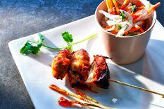 Foodie Friday ♥ Vietnamesischer Chinakohlsalat mit mariniertem Hühnerspieß: http://cookionista.com/?p=3384