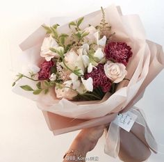 Flowers Bouquet Photography Florists Ideas For 2019 How To Wrap Flowers, Bunch Of Flowers, Fresh Flowers, Beautiful Flowers, Bouquet Wrap, Hand Bouquet, Carnation Bouquet, Carnations, Beautiful Flower Arrangements