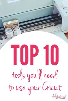 Top 10 tools to use your Cricut machine - maker or explore air 2 - as a beginner for projects like vinyl, htv, card making Diy Wedding Projects, Diy Craft Projects, Diy Crafts, Cricut Tutorials, Cricut Ideas, Cricut Iron On Vinyl, How To Use Cricut, Cricut Explore Air, Diy Mirror