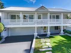 Cladding and render House Front Design, Roof Design, Style At Home, Exterior House Colors, Exterior Design, Weatherboard Exterior, Rendered Houses, Ranch Remodel, House Extensions