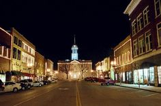 This Charming Town Near Nashville Is Picture Perfect For A Fall Day Trip