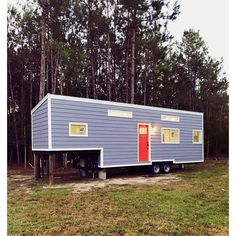 Extension over tongue creates a low loft with good headroom. 35 Ft. 5th Wheel | Tiny House Swoon