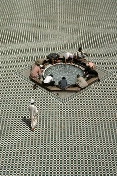 fletchingarrows:  pursuable:   MoroccoMarrakech. Mouassine mosque. Basin of ablutions, 1987   the sheer abundance of patterns in mosques is truly hypnotizing.