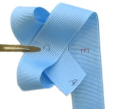 http://hipgirlclips.com/forums/xw-instruction-images/make-4-hairbow-loops-even/p1.jpg  how to tie a hairbow...