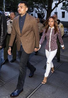 Stand by your man: Chris' girlfriend Karrueche Tran held his hand as they arrived at court on Monday Chris Brown Ex, Chris Brown And Karrueche, Chris Brown Videos, Chris Brown And Rihanna, Celebrity Couples, Celebrity Style, Bae, Green Sports Bras, Karrueche Tran