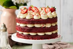 This showstopping dessert is sure to make an impact on any birthday party. Sister Birthday Cake, 21st Birthday Cakes, Birthday Ideas, Layer Cake Recipes, Dessert Recipes, Desserts, Cooking Chocolate, Chocolate Recipes, Red Velvet Cake Decoration